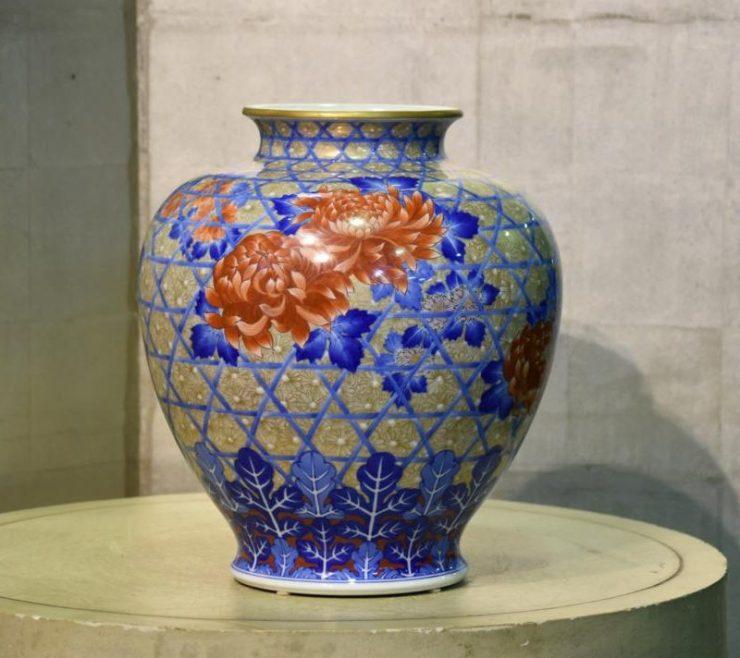 japanese-ceramics-vase-001_1067x712-800x712